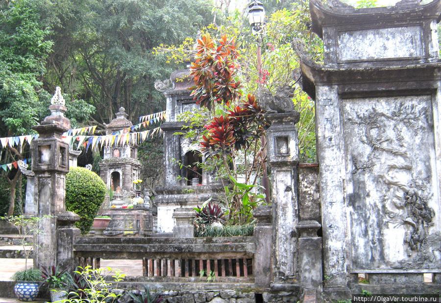 Пагода Тхиенчу (Chua Thien Tru) — пагода небесной кухни