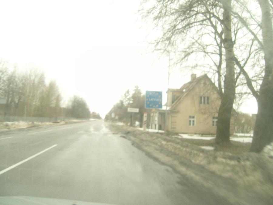 Вот граница Литвы и Латвии. Качество плохое. Потому что на ходу из машины.