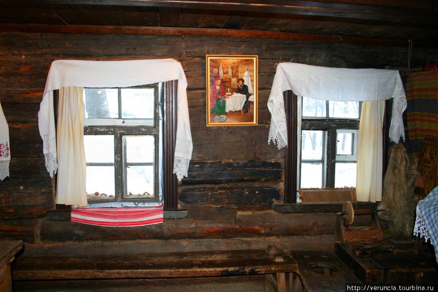 Комната с убранством 18 века.