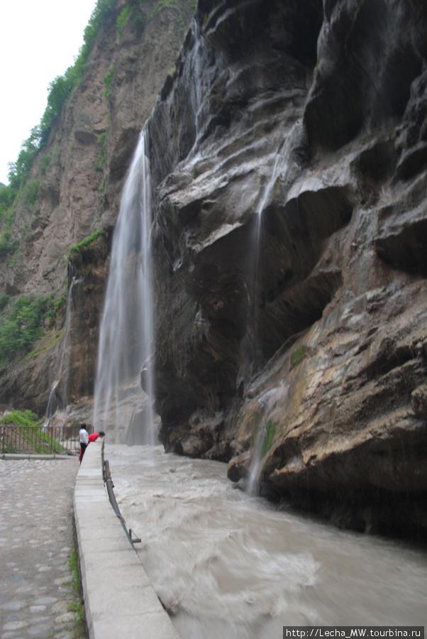 Чегемские водопады вечером