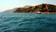 Прохладные воды Танганьики — хорошая альтернатива пыльной грунтовке! Тем более, что совсем недавно, я уже проезжал из Бурунди в Танзанию и как раз по грунтовке.