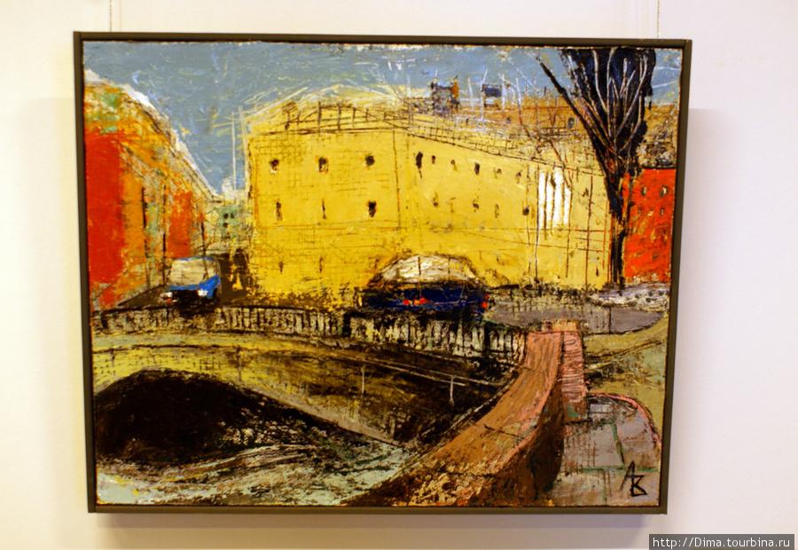 А эта картина того же автора, но поменьше размером, называется «Ноябрь. Мост» и стоит уже 30000 рублей.