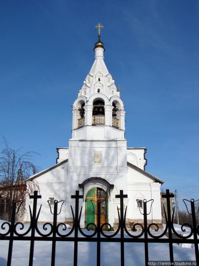 Храм Благовещения Пресвятой Богородицы, вид с ул. Затинной.