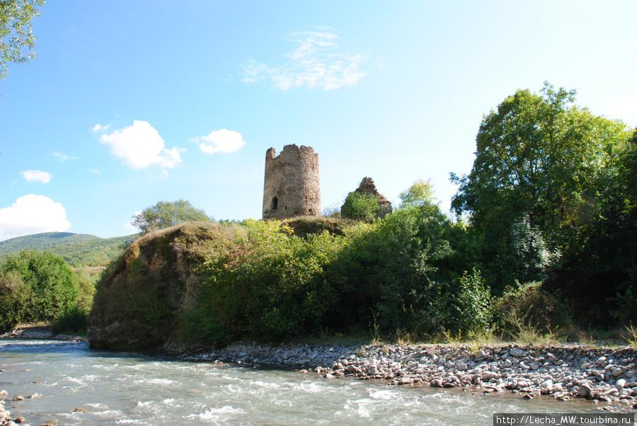 Сторожевая башня на берегу Малой Лиахвы