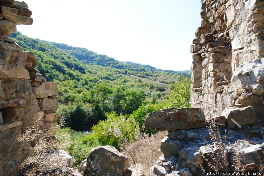 Крепостная стена вокруг Церкви