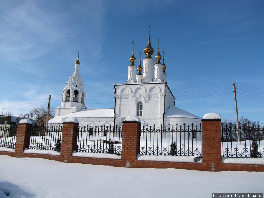Храм Благовещения Пресвятой Богородицы, вид с ул. Свободы.