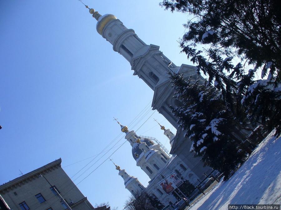 Успенский собор с колокольней