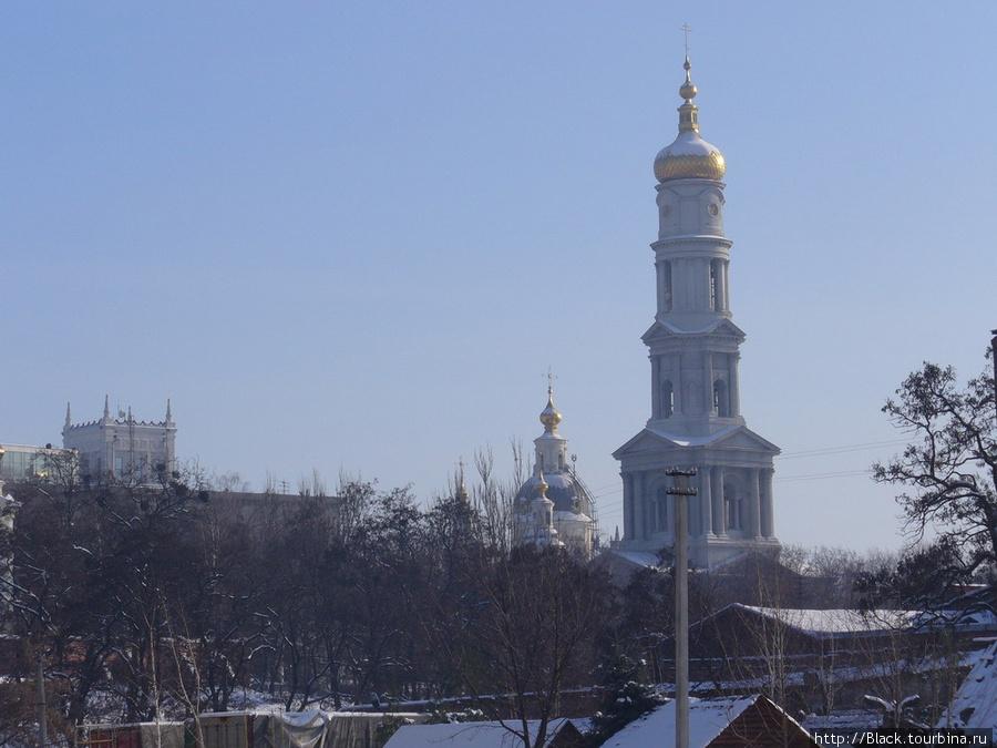 Успенский собор от реки Лопань