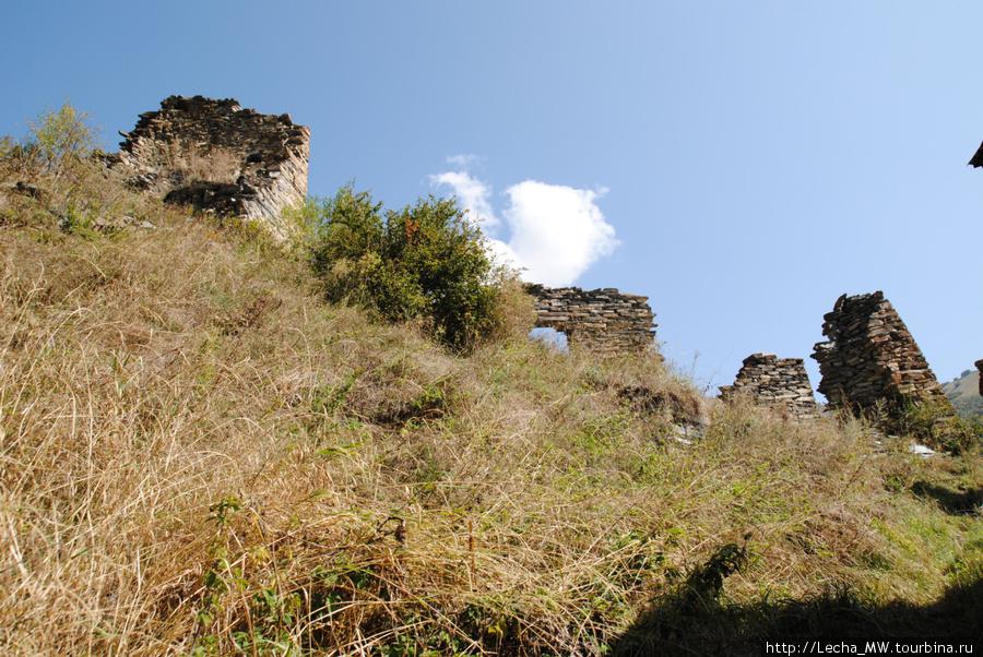 развалины в  Дзаттиаты-кау