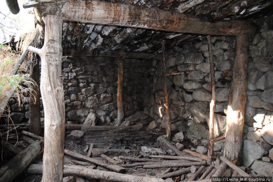 Хозяйственные постройки в Ходз