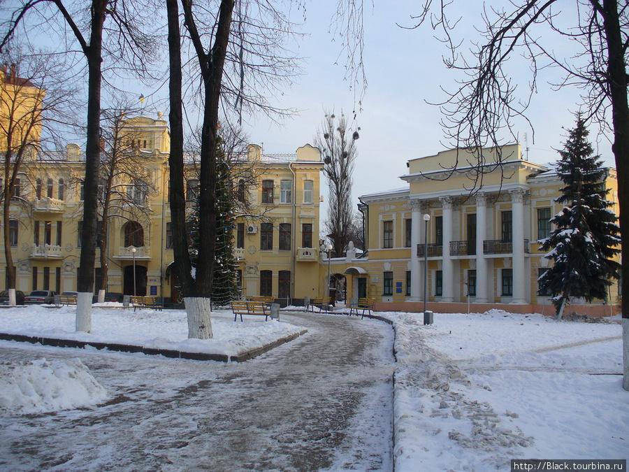 Бывшая городская усадьба Павловых. Сегодня — объединённый военкомат Октябрьского и Ленинского районов