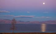 Озеро Севан после заката