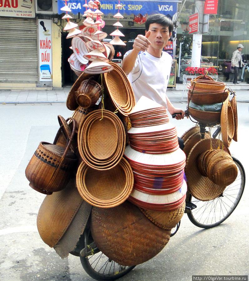 Купите шляпу — не пожалеете. На улицах Ханоя