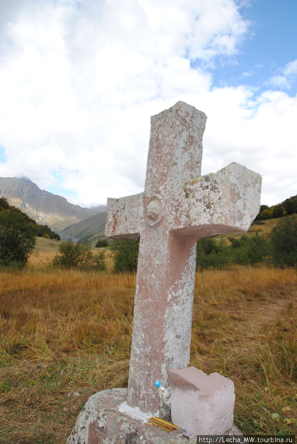 Морехский крест около селения Кобет