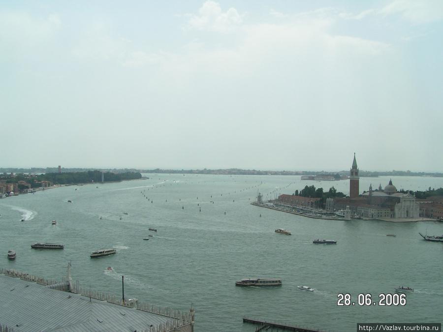 Одна из панорам, открывающихся с верхушки башни