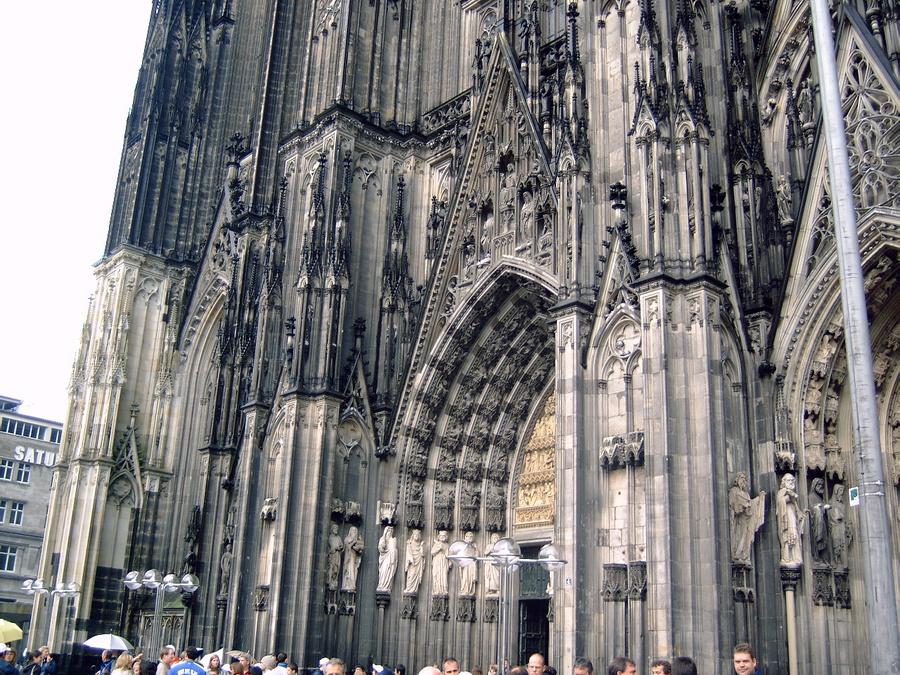 Ну, без собора не может быть репортажа о Кёльне