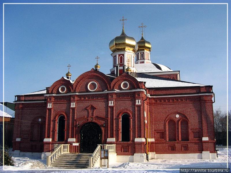 Красавец Казанский женский монастырь.