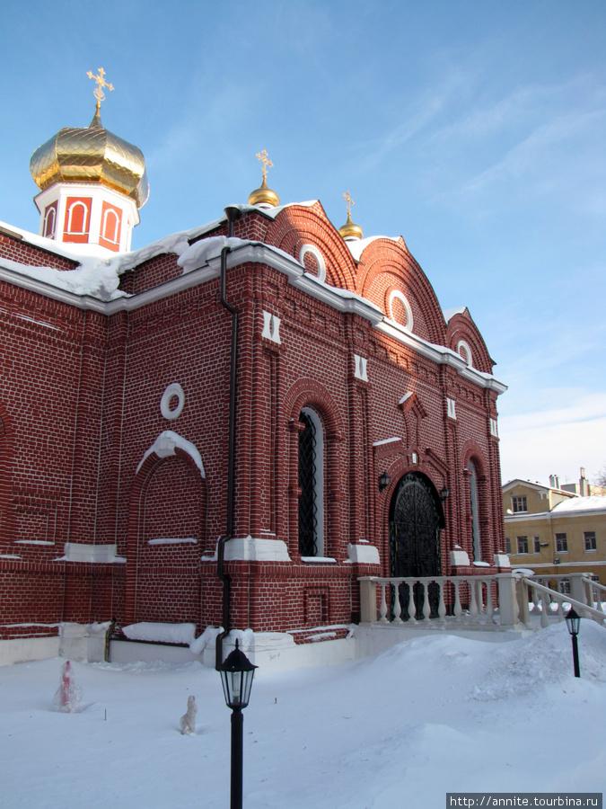 Казанский женский монастырь.
