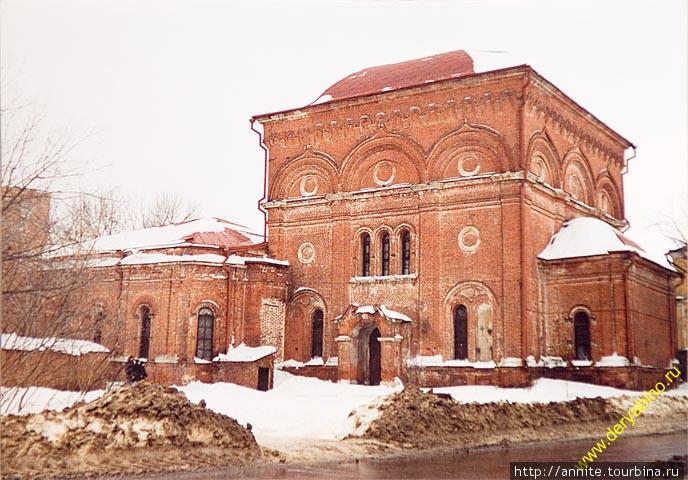 Так выглядел Казанский монастырь в 90-е годы.