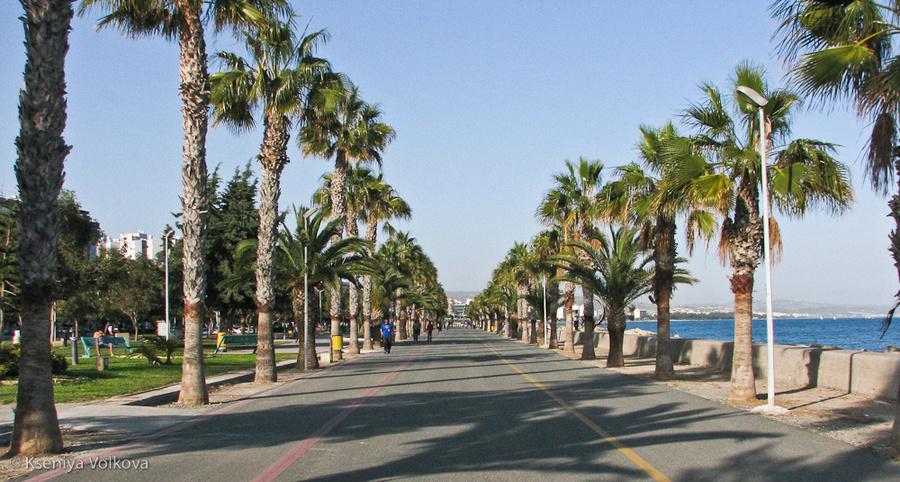 парк вдоль набережной