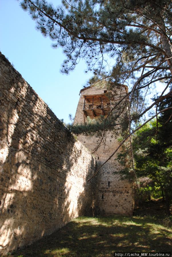 Башня и вход