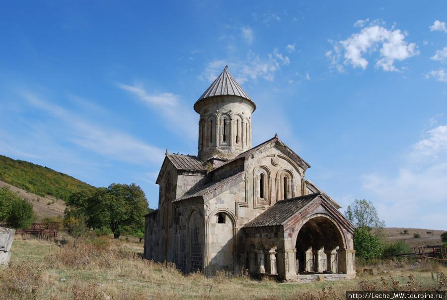 Моастырь Икорта ( фото Валерия Плиева)