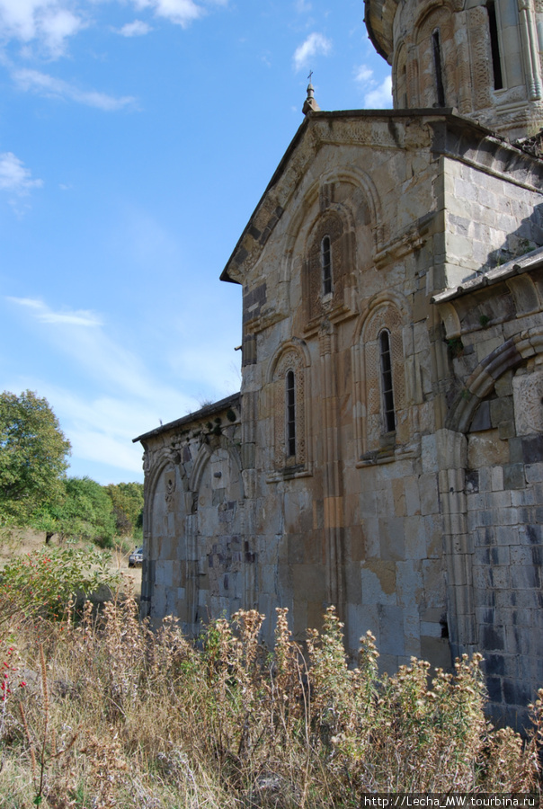Монастырь Икорта ( фото Валерия Плиева)