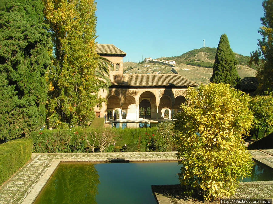 Один из уголков Альгамбры