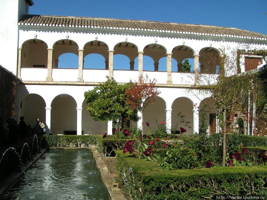 Водный дворик