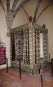 Кровать Генриха Навварского...может фот тут он и спал с Королевой Марго