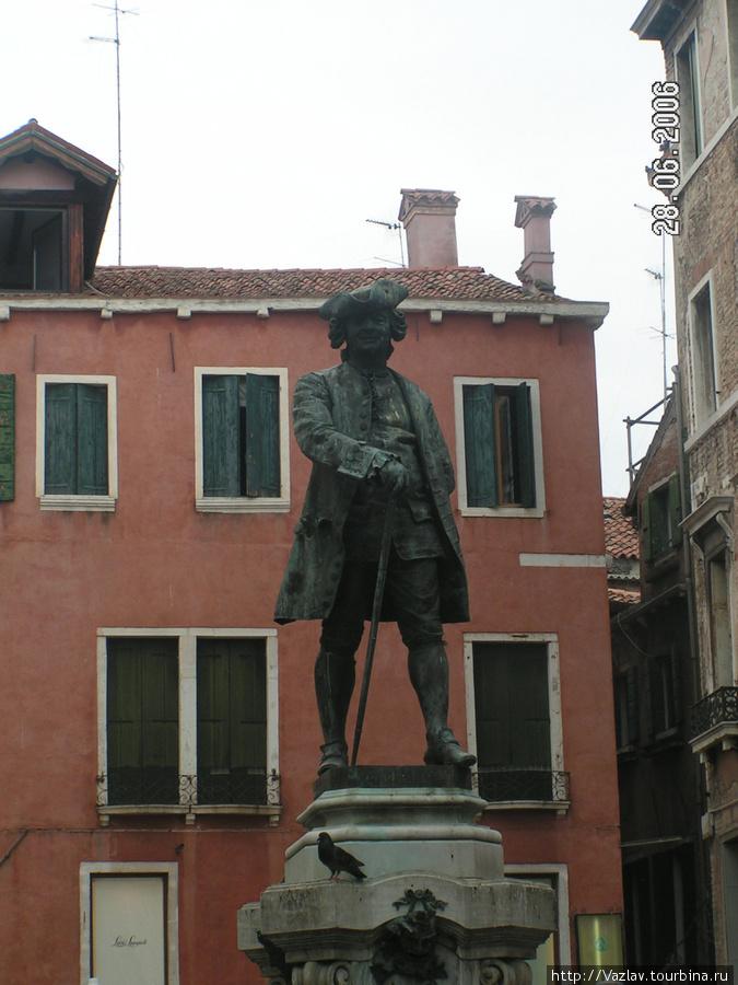 Памятник Гольдони