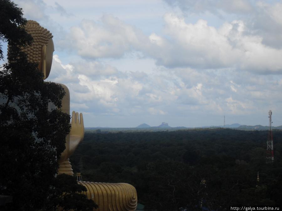 Позади Будды