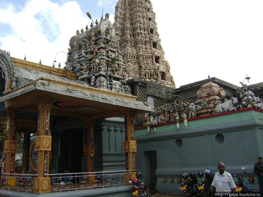 Индуистский храм в Матале — Шри Муттамариамман . Это по дороге