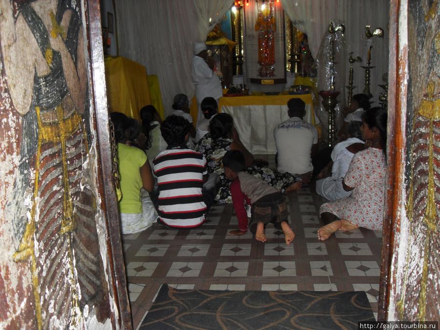 А это индуистский храм в Канди