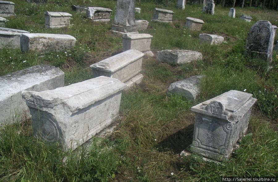 Исторические надгробия
