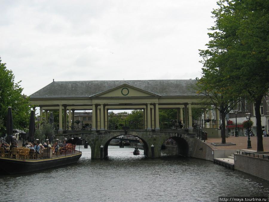 мост Корнбюрг (местный Риальто).