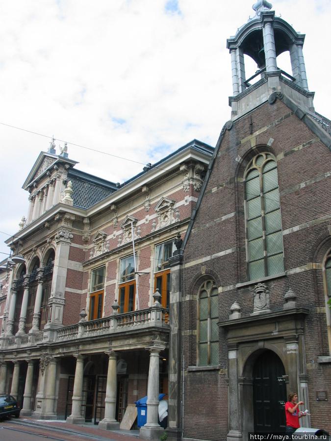 Валлонская церковь и театр