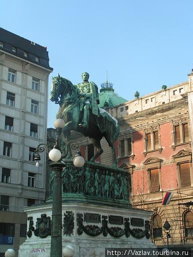 Памятник князю Михаилу