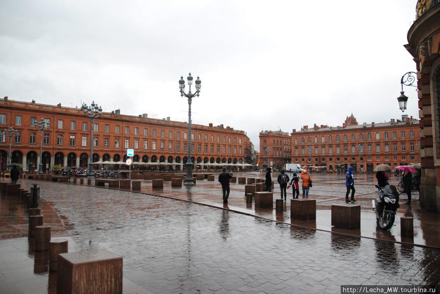 Площадь Capitole