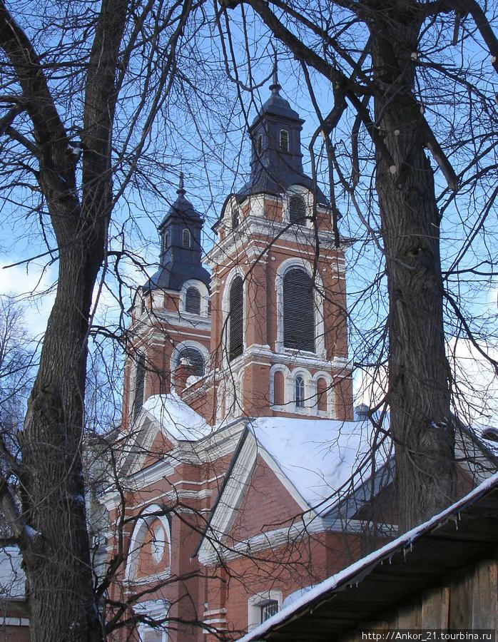 Очередное Чарушинское творение — Александровский католический костел.