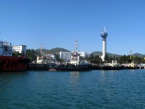 Вид на город с прогулочного катера Ирбис (300 р — один часовой билет)