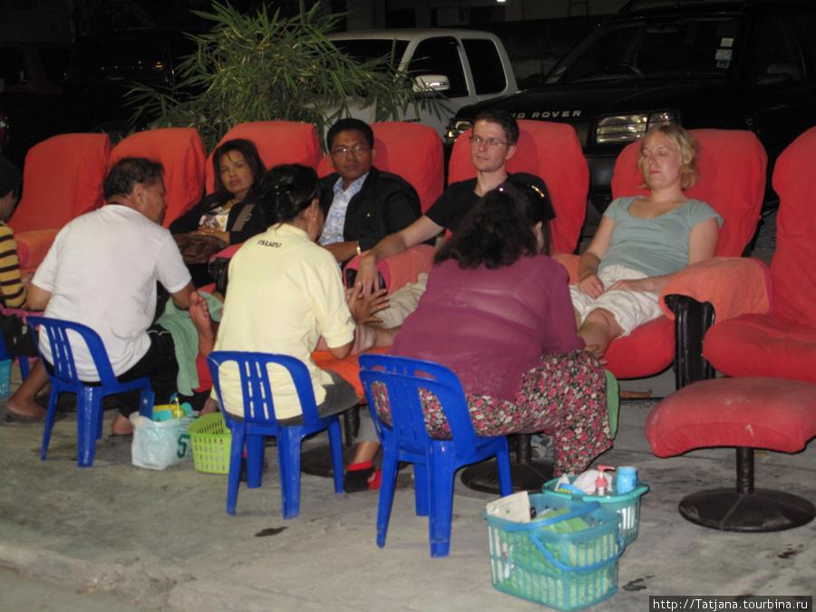 массаж рефлексология  на местных рынках