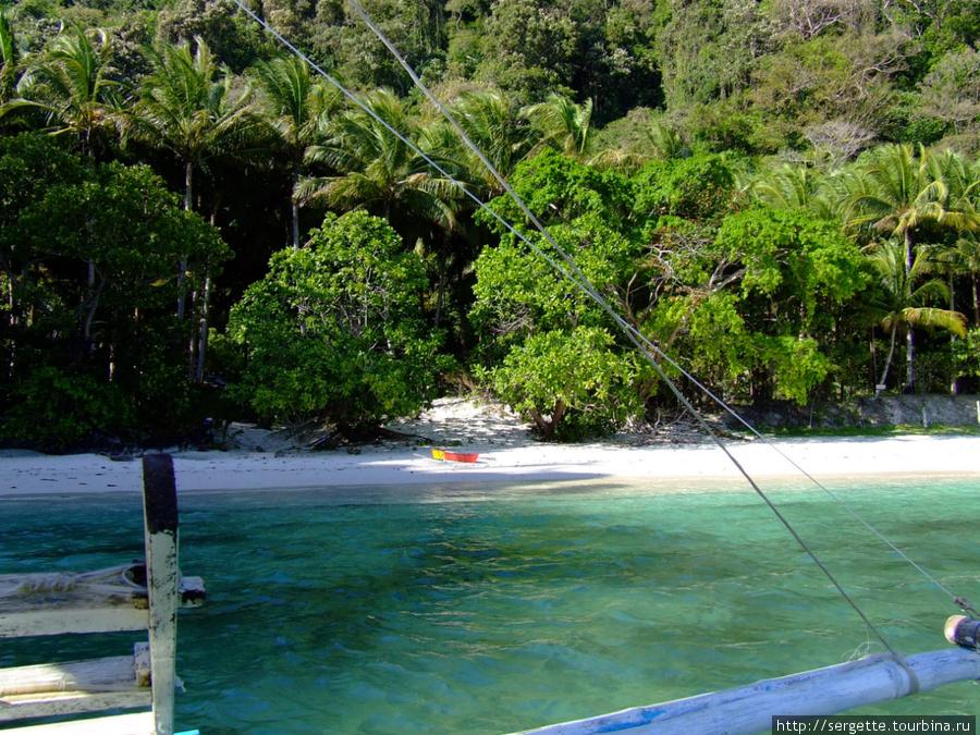 Отчаливаем с райского пляжа