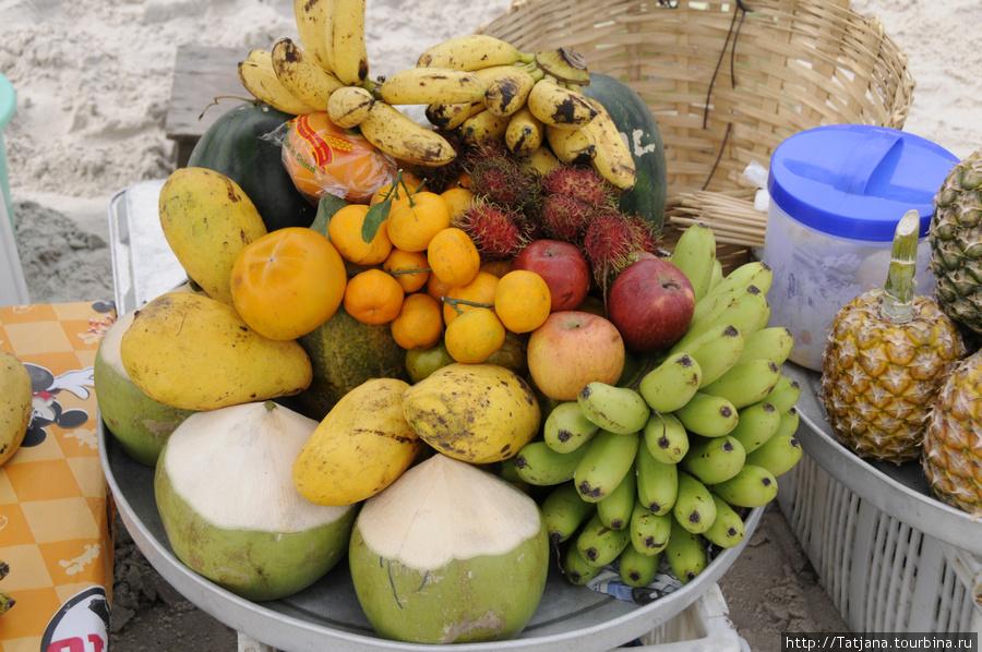 так выглядят фрукты которые продают на пляже