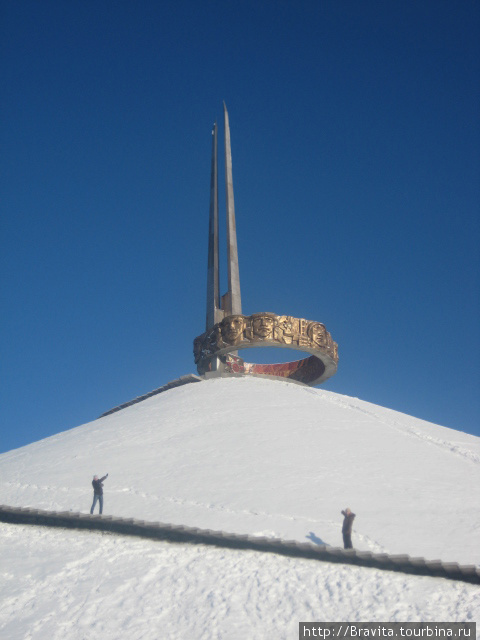 Фрагмент винтовой лестницы, опоясывающей Курган