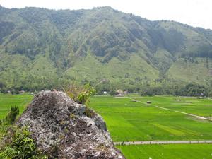 Холмы в окрестностях Тук-Тука