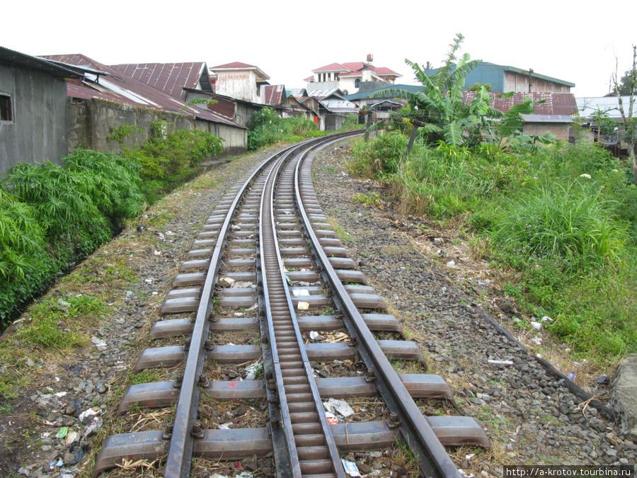 Самая хитрая ж.д. не работает, а ведь интересно, у них был зубчатый локомотив для крутых подъёмов! Паданг, Индонезия