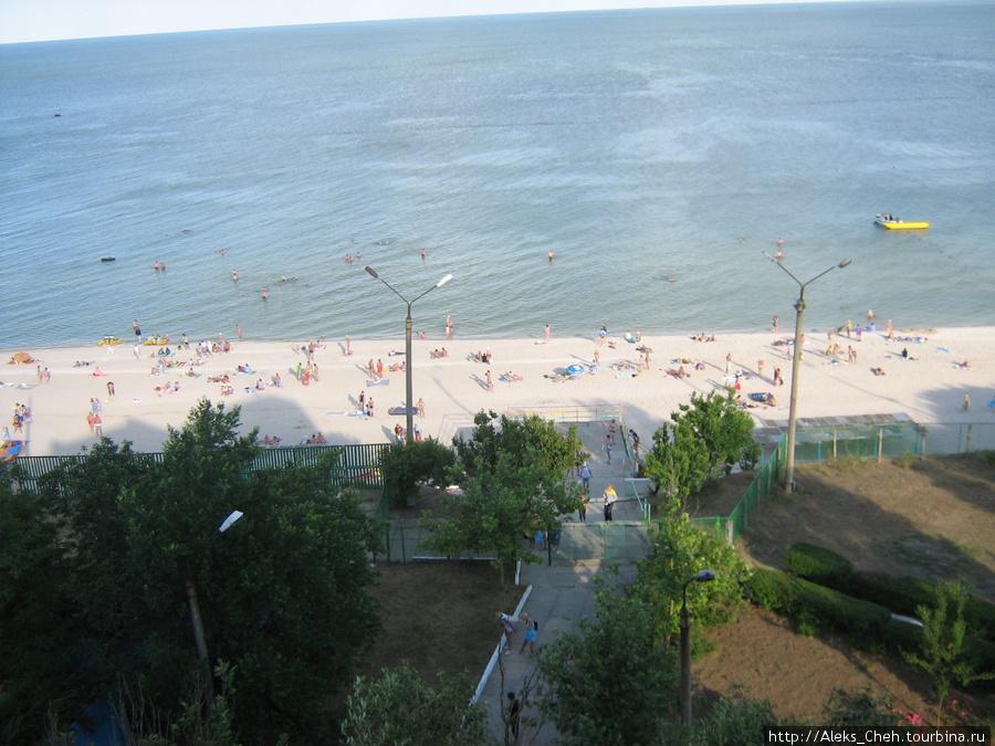 Вид на пляж с высоты