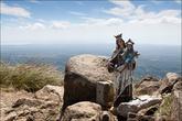 На вершине горы. Тут установленна небольшая статуэтка Деве Марии с Иисусом