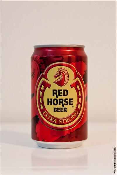 Red Horse Тип: светлое Крепость: 6.9 % Стоимость: 28 песо Комментарий: неплохое пиво, совершенно не чувствуется градус на вкус, из всех рассмотренных светлых видов обладает лучшим цветом. Рейтинг: 5